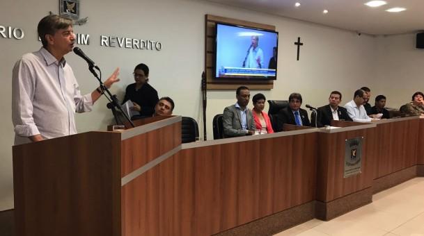 Dagoberto anuncia construção de 400 casas na Capital