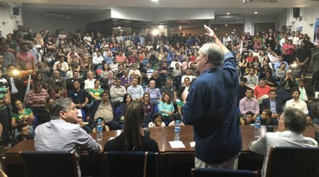 Encontro com Ciro Gomes reúne centenas de apoiadores em Campo Grande