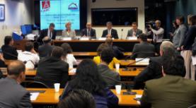 Entidades e governo debatem investimentos em habitação de interesse social